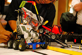 Shows LEGO Robotics Toy as a Towing Mobile.